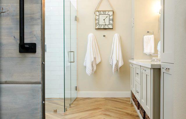 Bathroom Cabinets16
