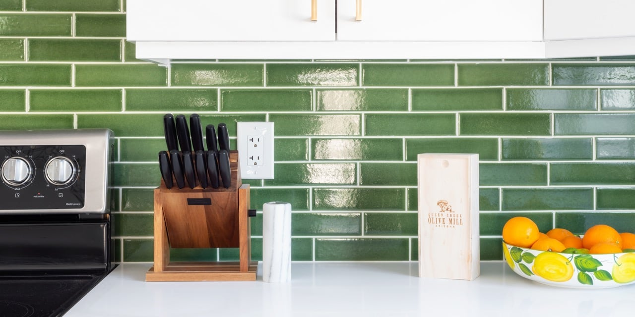 design-trends-2019-countertop-backsplash6