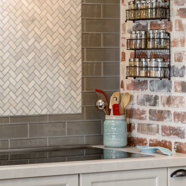 design-trends-2019-countertop-backsplash9